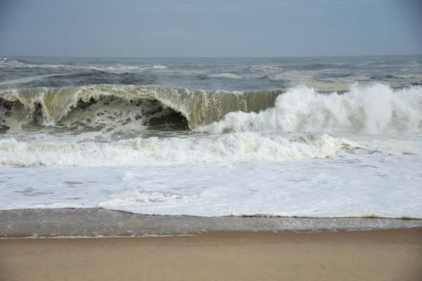 Hampton_roughseas1