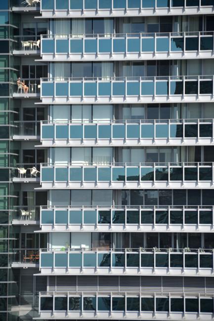 Miami_architecture_glass_windows2