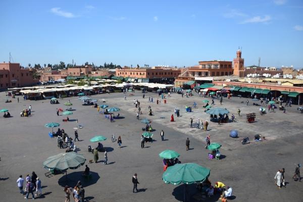 Place Jamaâ El Fna  left marrakech
