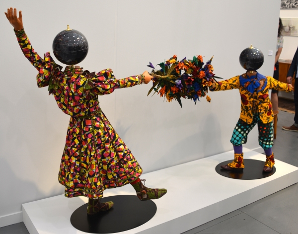 Yinka_Shonibare_kids_Frieze
