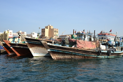 dubai_canal_boats