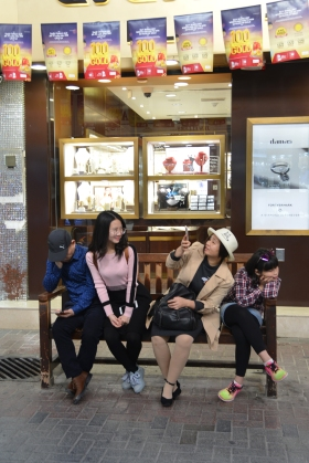 dubai_gold_souk_tourists